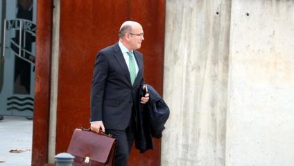 El coronel de la Guàrdia Civil, Diego Pérez de los Cobos, sortint de l'Audiència Nacional després de declarar com a testimoni el 28 de gener passat