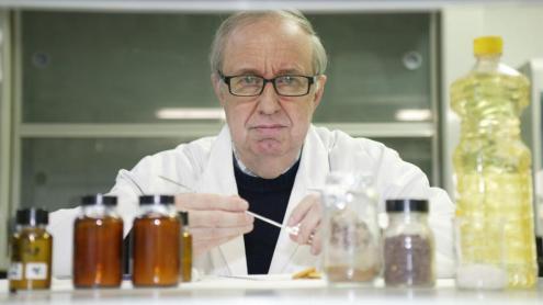 <b>Josep Lluís Domingo, </b>al seu laboratori de la Universitat Rovira i Virgili de Tarragona