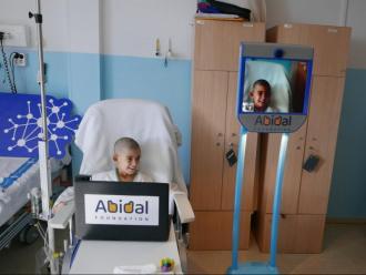 En Biel, amb el robot Abi22