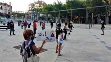 Marxes a Sabadell (a dalt), a Olot (centre) i un noi identificat pels Mossos a Lleida