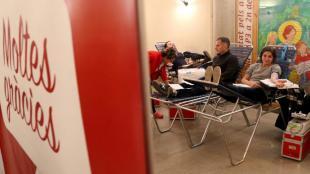 Imatge d'una campanya de donació de sang i de medul·la òssia a l'escola Vedruna de Girona