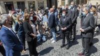 Quim Torra i altres consellers comparteixen un minut de silenci amb l'alcaldessa de Barcelona