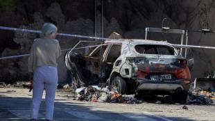 El cotxe de la dona assassinada i la seva roba, totalment cremats