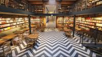 El nou espai de la llibreria Ona de Pau Claris, a prop d'Urquinaona, és a pocs metres de la històrica llibreria de la Gran Via