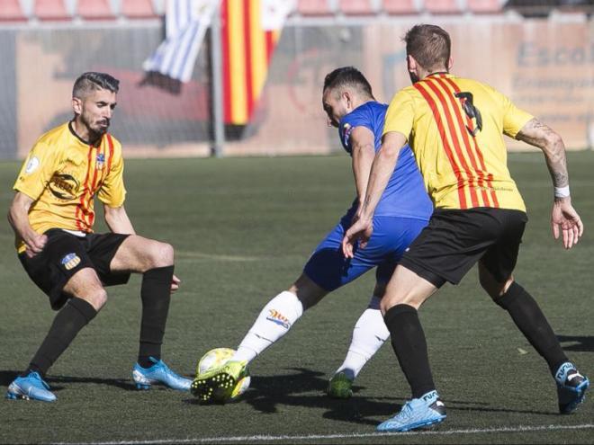Josu, el jugador implicat en el recurs contra la Pobla, en una acció contra el Figueres