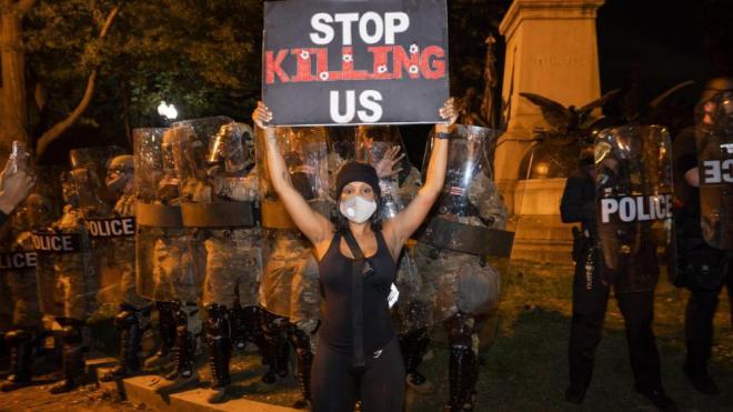 Les manifestacions que denuncien la mort d'un altra persona negra a mans de la policia s'han estès per tots els Estats Units