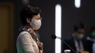 Carrie Lam , durant la roda de premsa que va fer ahir a Hong Kong