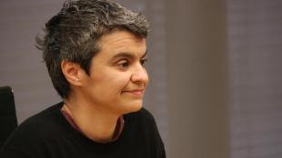 La regidora Lucía Martín va explicar ahir els plans de l'Ajuntament de Barcelona en pisos socials