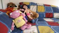 Imatge de peluixos en un llit d'un infant