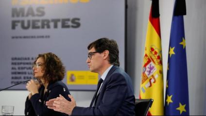Salvador Illa i Maria Jesús Montero , ahir duran la roda de premsa