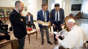 El papa Francesc rep la delegació de Manresa