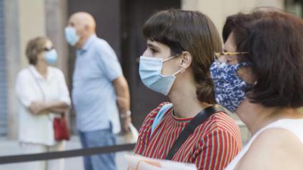 Gent amb mascareta a Barcelona