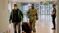 Passatgers a l'aeroport del Prat, en la pandèmia