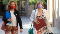 La consellera de Justícia, Ester Capella, i la consellera de Salut, Alba Vergés, al pati dels Tarongers