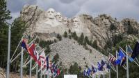Trump ja va celebrar ahir el Dia de la Independència amb un espectacle a Mount Rushmore (Dakota del Sud), sota els bustos de quatre expresidents nord-americans tallats a la roca