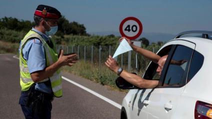 Els Mossos aturen un conductor en un dels controls d'entrada al Segrià