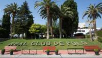 El Club de Polo de Barcelona tanca el casal d'estiu per un brot de coronavirus entre el personal