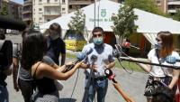 El conseller de Treball, Afers Socials i Família, Chakir El Homrani, atèn els mitjans de comunicació a Lleida