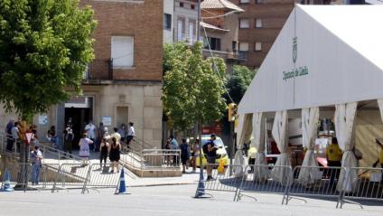 La carpa instal·lada al costat del CUAP Prat de la Riba de Lleida