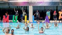 El president de la Generalitat, Quim Torra, participa en la campanya 'Mulla't per l'esclerosi múltiple'