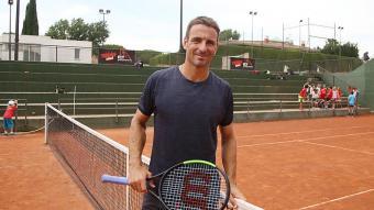 Tommy Robredo, en un dels actes de la campanya de sensibilització de la fundació als clubs de tennis catalans