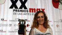 Carme Portaceli amb el premi a la millor direcció d'escena en la gala dels Premis Max de les Arts Escèniques del 2017