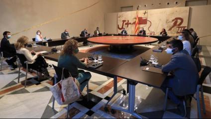 El president Quim Torra i els consellers en la reunió del consell de govern extraordinari celebrat ahir a la nit