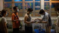 Hongkonguesos fan cua per votar a les primàries de l'oposició prodemocràcia, dissabte