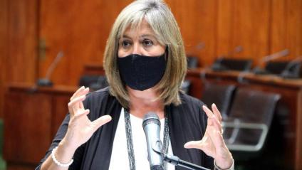 L'alcaldessa de l'Hospitalet de Llobregat, Núria Marín, durant la seva intervenció a la roda de premsa on s'ha explicat la situació del brot de coronavirus a la ciutat