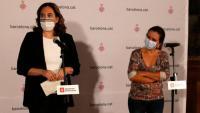 L'alcaldessa Ada Colau i la regidora de Salut, Gemma Tarafa, durant la roda de premsa