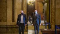 Ernest Maragall i Roger Torrent, dos dels dirigents independentistes espiats, ahir al Parlament