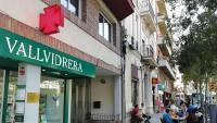 Ambient a la plaça principal del barri de Vallvidrera, objectiu de molts que fugen del centre de Barcelona