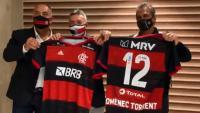Domènec Torrent minuts després de trepitjar Brasil amb la samarreta del Flamengo