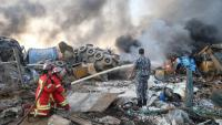 Els bombers treballen a la zona de les explosions a la capital libanesa
