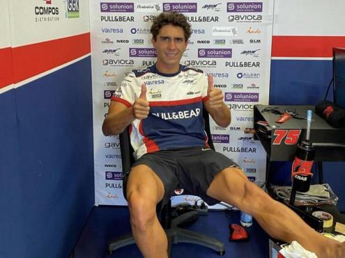Albert Arenas en el seu bos després de la caiguda en el GP d'Andalusia