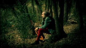 Daniel Higiénico, medita al mig del bosc de Sherwood