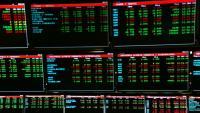 Pantalles amb dades de cotitzacions a la Borsa de Barcelona