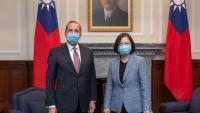 El secretari de Sanitat dels EUA, Alex Azar, i la presidenta de Taiwan, Tsai Ing-Wen