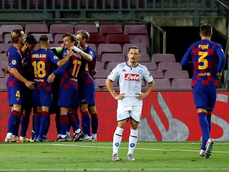 Els jugadors del Barça celebrant un gol contra el Nàpols