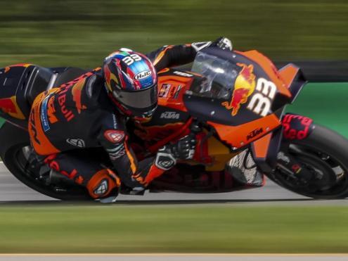 Bard Binder encapçala la cursa de MotoGP del GP de la República Txeca