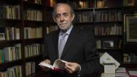 Fernando Valdés Dal-Ré és magistrat del Tribunal Constitucional i pertany a l'ala progressista