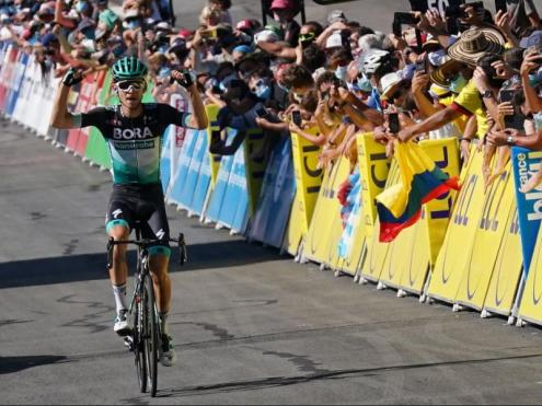 Käman, vencedor de l'etapa.