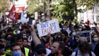 Protesta als carrers de París contra la política de Macron convocada pels sindicats