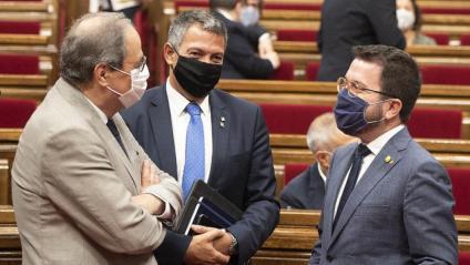 El president, Quim Torra; el conseller d'Interior, Miquel Sàmper, i el vicepresident, Pere Aragonès, ahir al Parlament