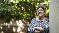 L'exdiputada Gabriela Serra als exteriors del Parlament abans de produir-se l'entrevista a la cambra catalana