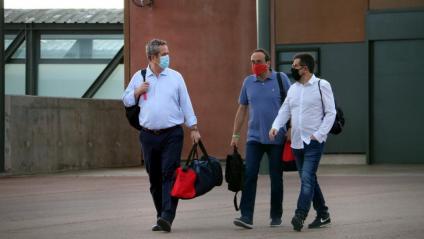 Joaquim Forn, Josep Rull i Jordi Sànchez, en una sortida de la presó de Lledoners, el juliol passat