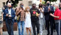 Jordi Pesarrodona arriba als jutjats de Manresa acompayat de Laura Borràs i Eduard Pujol de Junts per Catalunya