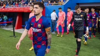 Monchu amb la samarreta i el braçal de capità del Barça B