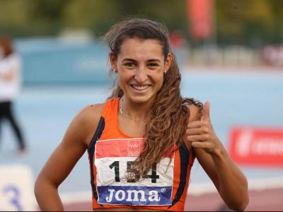 Sara Gallego, encara amb 19 anys, ja acredita tres títols estatals de 400 m tanques