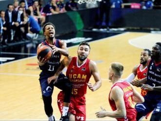 El Morabanc es va estrenar a la lliga diumenge amb una contundent victòria contra l'UCAM Múrcia (84-66)